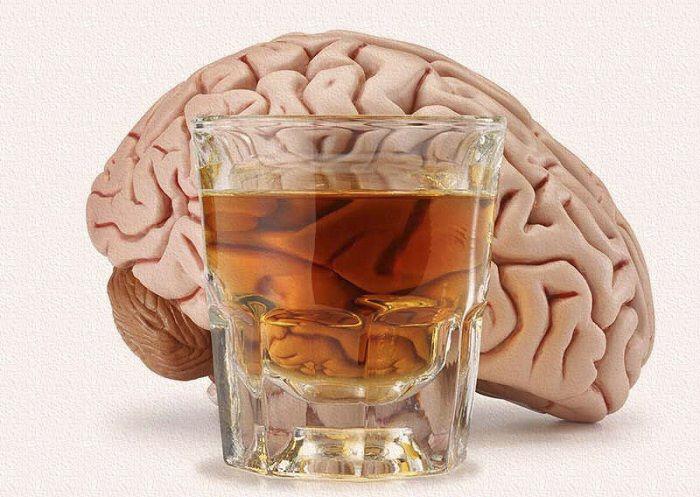 Rượu bia là nguyên nhân gây đột quỵ não và các bệnh về tim mạch